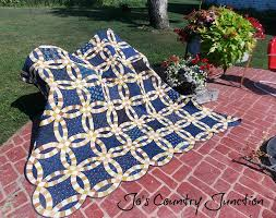 wedding ring quilt friday finish the wedding ring