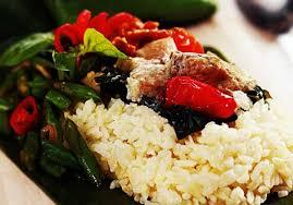 cara membuat nasi bakar khas bandung resep membuat nasi bakar isi pedas yang enak nan gurih selerasa com