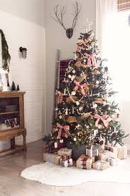 Pics Of Decorated Christmas Trees 25 Unique Farmhouse Christmas Trees Ideas On Pinterest