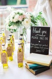 wedding favora 20 wedding favors weddmagz