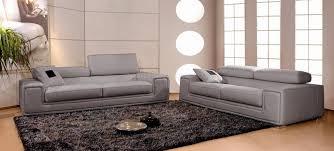 canap en cuir canapé en cuir italien 2 places deux fauteuils