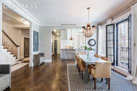 uma thurman s gramercy park duplex fetched more than its asking all photos courtesy of compass
