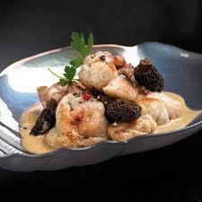 comment cuisiner les truffes noires les ris de veau braisés en cocotte mijotés aux morilles et au jus