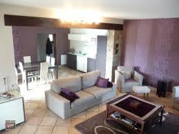 idee tapisserie cuisine decoration cuisine ouverte sur salle a manger et salon moderne