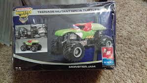 amazon teenage mutant ninja turtles monster jam truck 1 25