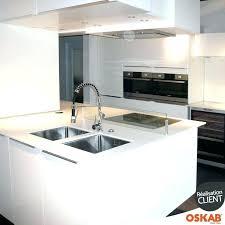cuisine avec ilot central evier evier inox avec plaque de cuisson cuisine avec ilot central evier