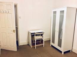 nice double room available in a lovely flat share all bill