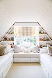 decoration chambre comble avec mur incliné rideau sous pente affordable rideau sous pente with rideau sous