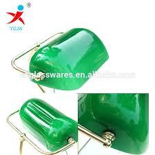 le de bureau banquier laiton verre vert le banquier verte le banquier verte le de notaire le