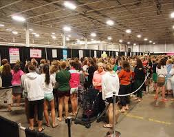 lilly pulitzer warehouse sale lilly pulitzer diehards rally for annual warehouse sale