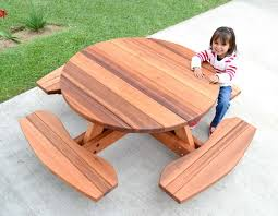 Build A Round Picnic Table by Best 25 Round Picnic Table Ideas On Pinterest Picnic Tables