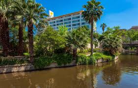 In N Out Near Six Flags San Antonio Vacation Packages Featuring Hotels Riverwalk San