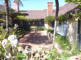 charming home courtyards gardens by the beach in beautiful la property image 4 charming home courtyards gardens by the beach in beautiful la