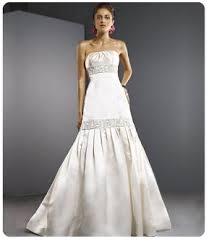 wedding dresses for small bust v neck wedding dress small bust ivo hoogveld