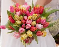 cost of wedding flowers what is the average cost of bridal bouquets and wedding flowers