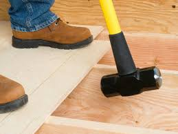 How To Put Laminate Flooring Down How To Lay A Plywood Subfloor How Tos Diy