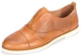 Comfortable Travel Shoes Shoes In Which You Can Walk A City Mile In Style Sharp Eye