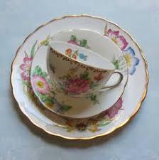 vintage bone china taza y platillo china de la corona de