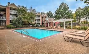 stonebridge crossing apartments in cordova tn