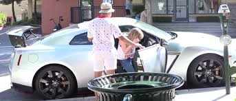 Nissan Gtr Old - watch these 16 year old boys pick up girls in a nissan gt r