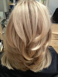 putting layers in shoulder length hair thick straight mid length hair with chunky layers medium length