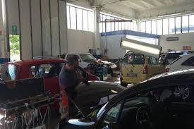 il carrozziere il carrozziere lo il franchising dei servizi per auto