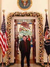 oval office paintings inside the brentwood mansion of frank luntz that looks like the