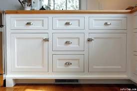 Kitchen Cabinet Knob Placement Cabinet Hardware Placement Ideas Traditional Kitchen By Carolina