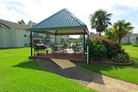 pecan grove apartment and community amenities