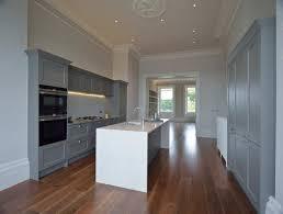 porte de cuisine en bois comptoir en granit blanc comptoir de cuisine bois élégant bol