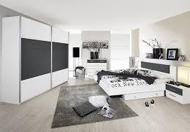 mobilier chambre design lit adulte design avec 2 chevets coloris blanc gris barcelone