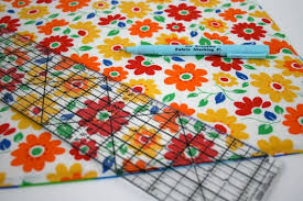 simple reversible quilted placemat tutorial whipstitch