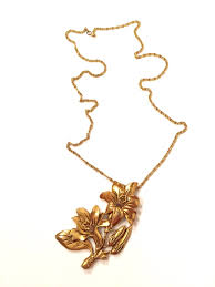 trendy flower necklace images Bigger the better flower pendant necklace spring trendy gold jpg