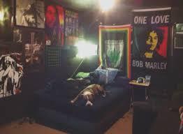 chambre bob marley stoner room search home lits