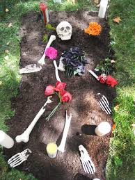charming halloween yard decoration idea halloween garden decor