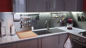 led pour cuisine cuisine noir et blanc 5 eclairage led plan de travail leds go