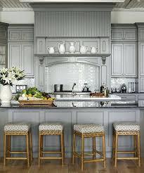 retaper sa cuisine repeindre ses meubles de cuisine en bois awesome peindre les