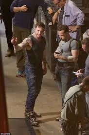 Ed Hardy Meme - tom hardy shows off muscles on venom set in atlanta daily mail