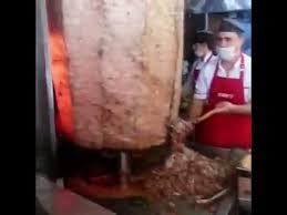 ary abittan cuisine turque les turcs en la plus grosse broche de kebab du monde
