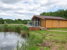 Cottages For Hire Uk by Cottages By A River Riverside Holiday Cottage Rental