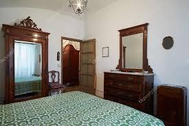 chambre à coucher ancienne gallery of vieille chambre lit dans l 39 ancienne maison en
