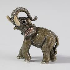 lot 140 jay strongwater elephant figurine akiba antiques