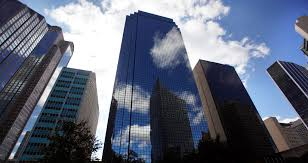 downtown dallas thanksgiving tower sells at foreclosure