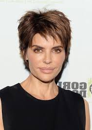 lisa rinna current hairstyle lisa rinna short messy haircut for thick hair styles weekly