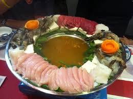 fondue vietnamienne cuisine asiatique fondue vietnamienne bœuf poulet saumon cabilleau gambas