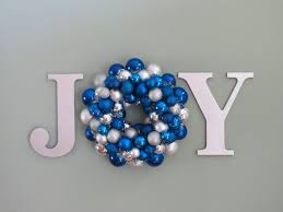 Frosty Blue Christmas Decorations by Best 25 Blue Christmas Ideas On Pinterest Blue Christmas Decor