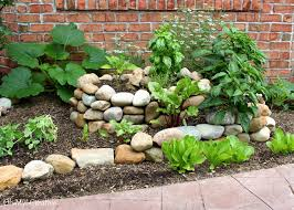 Small Vegetable Garden Ideas To Create A Small Vegetable Garden Using A Garden Spiral