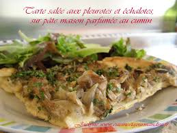cuisiner les pleurotes tarte salée aux pleurotes et échalotes sur pâte maison parfumée au