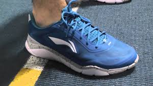 ultra light running shoes product review li ning ultra lightweight running shoe youtube