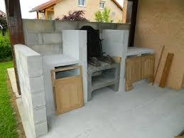 construire une cuisine construire sa cuisine cuisine d ete en beton cellulaire